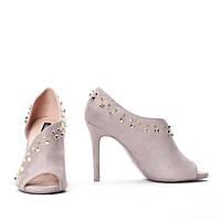 Элегантные и очень красивые и удобные туфли на каблуке