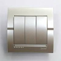 Выключатель 3-клавишный жемчужно-белый металлик Deriy Lezard
