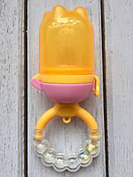 Ниблер с поршнем и погремушкой желтый Dr Gym, фото 1