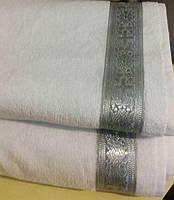 Махровое полотенце для крещения малыша белое с серебристой парчой