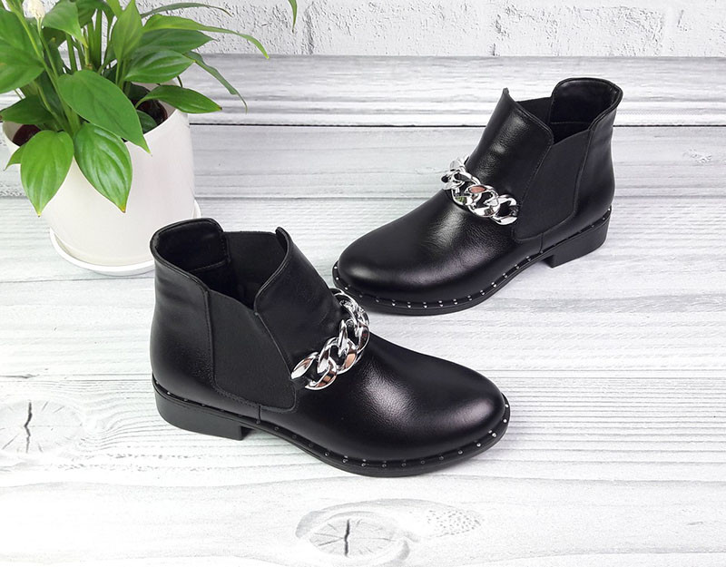 64a96d02d61050 Ботинки женские без каблука демисезонные на цепочке кожа натуральная черные  Ko0063 - Обутик в Харькове