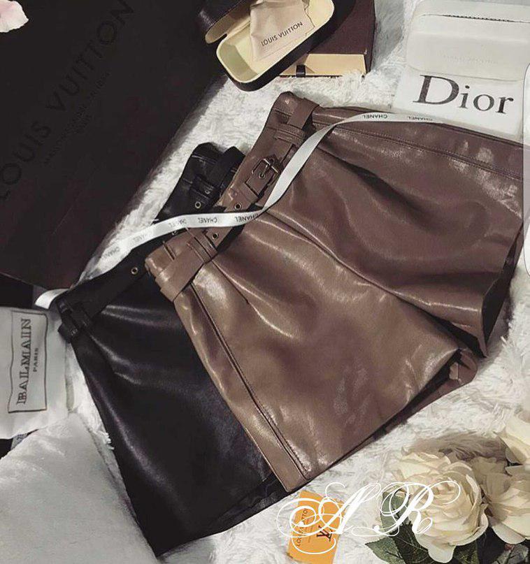 Короткие женские шорты из экокожи с ремешком 42-46 р