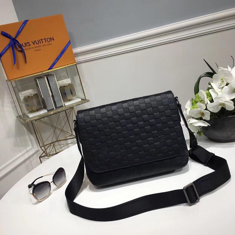 Мужская сумка Louis Vuitton District MM, цена 10 500 грн., купить в ... e2125bff20e