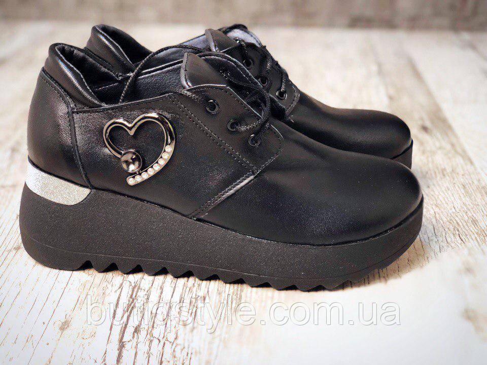 37, 39, 40 размер! Женские кожаные черные туфли с декором натур кожа