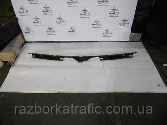 Пластик под лобовое стекло на Renault Trafic, Opel Vivaro, Nissan Primastar