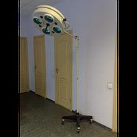 Светильник хирургический бестеневой передвижной СМ-28