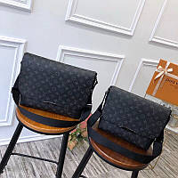 Сумка мессенджер - Louis Vuitton Explorer