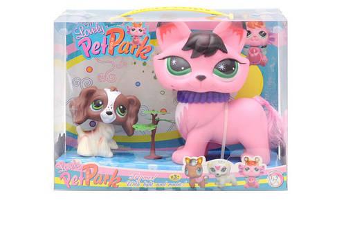 """Набор фигурок кот с щенком из серии """"Lovely Pet Park""""."""