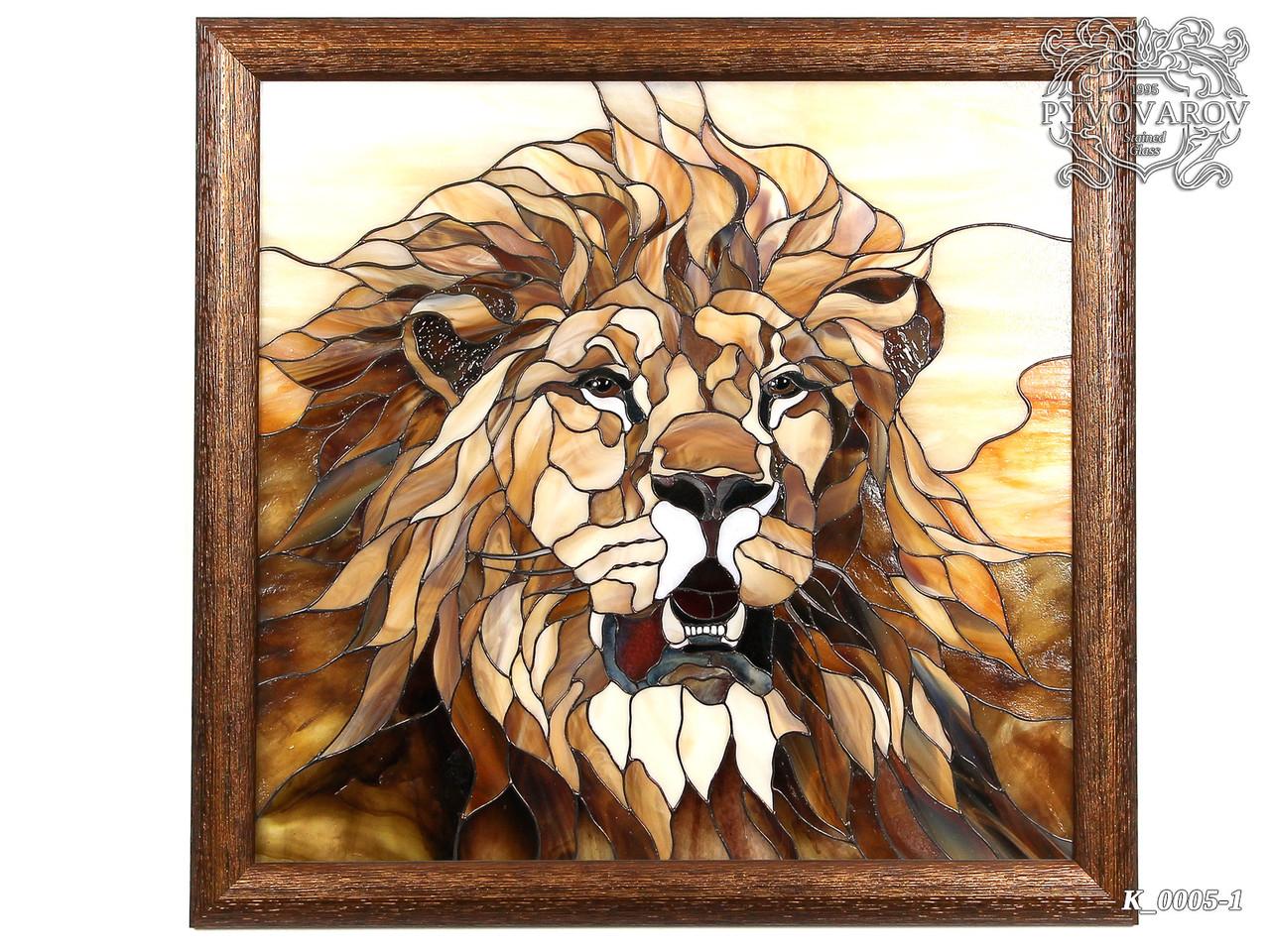 Картины из стекла Лев