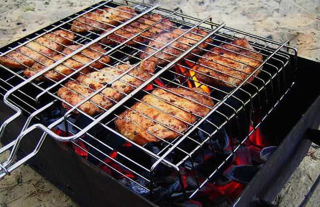 Мангалы, шампура, решетки для гриля и барбекю