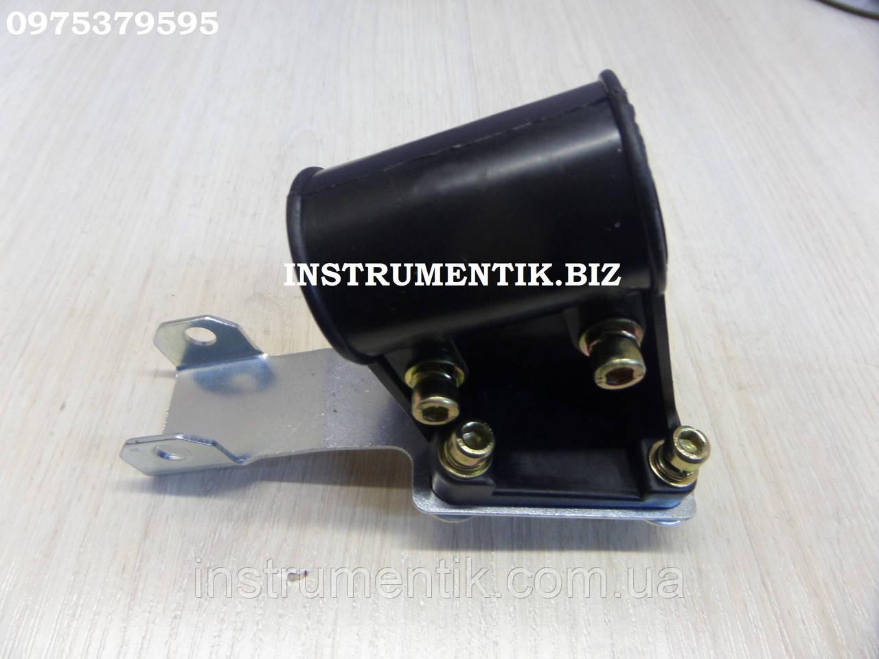 Крепление защиты для мотокос к трубе Ø26 мм