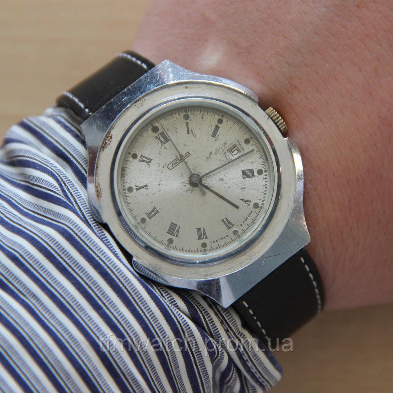 5b7463ca583d Слава наручные механические часы с календарём   продажа, цена в ...