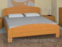 Двуспальная кровать  с деревянным изголовьем