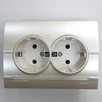 Розетка двойная с з/к жемчужно-белый металлик Deriy Lezard