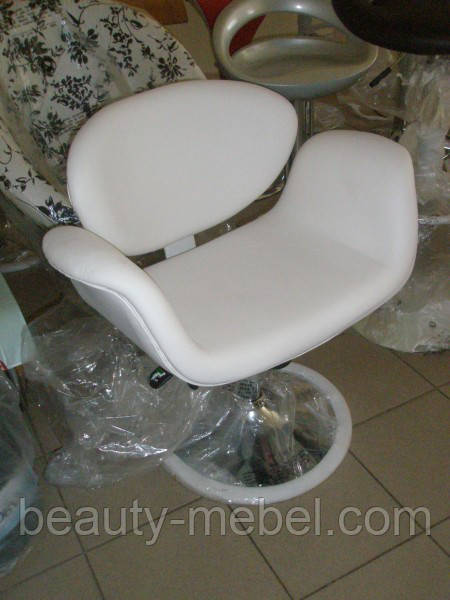 Кресло парикмахера мягкое кресло Студио, белое