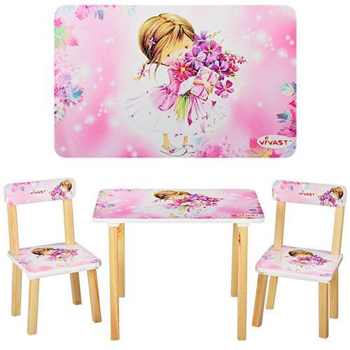 Столик и 2 стульчика с девочкой