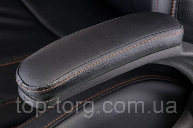 Підлокітники: регульовані, матеріал-пластик, колір - чорний, оббивка - м'яка арткожа чорного кольору