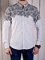 Мужская рубашка молодежная белая с узорами