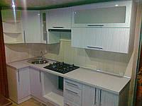 Белоснежная маленькая кухня Афина