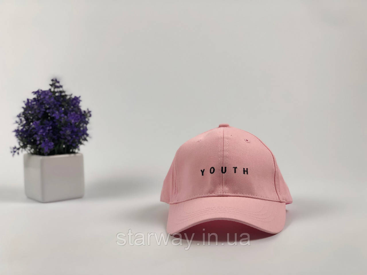 Кепка розовая Youth логотип вышивка