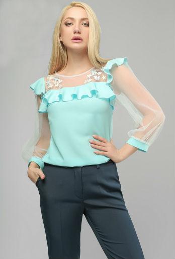 Нежная нарядная блуза