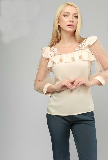 Красивая нарядная блуза с прозрачными рукавами