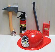 Набор пожарного: каска, топор, огнетушитель в сетке