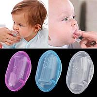 Перша силіконова щітка на пальчик - прорізувач для Немовлят + КОРОБОЧКА.