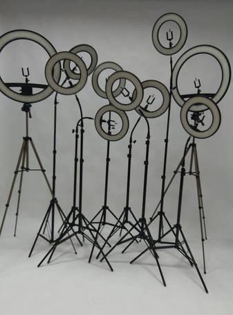 Лампы / кольца для визажистов и фотографов