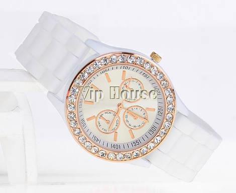 Часы Geneva со стразами белый цвет