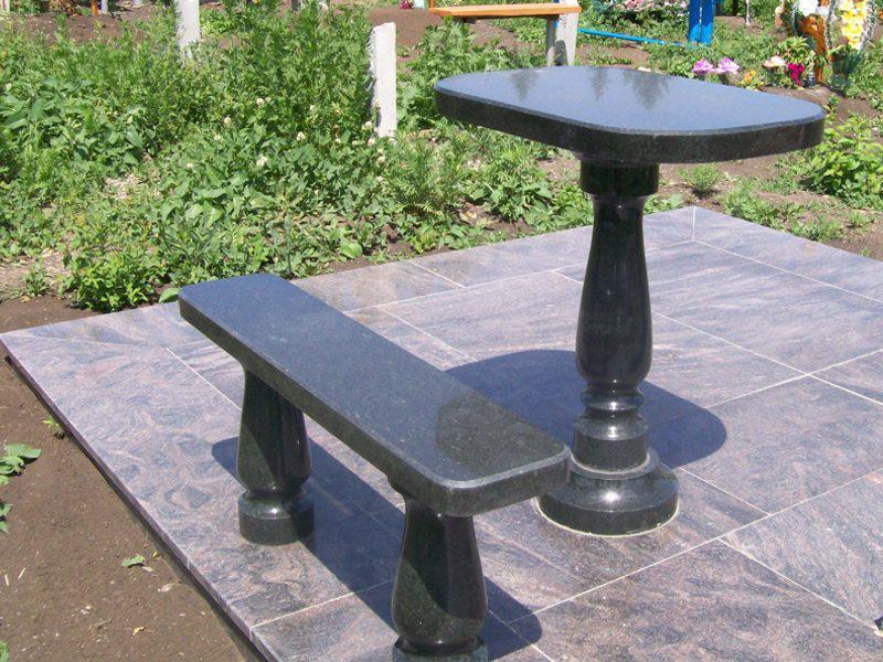 Столы лавки из гранита любой формы и размера №0003