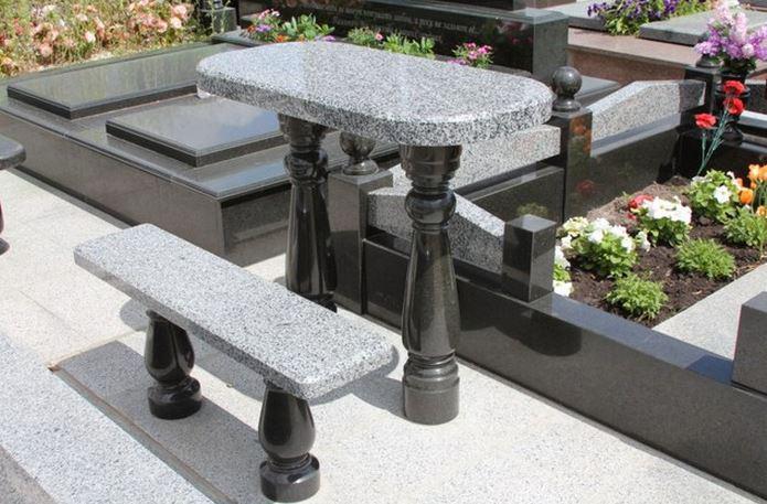 Столы лавки из гранита любой формы и размера №0009