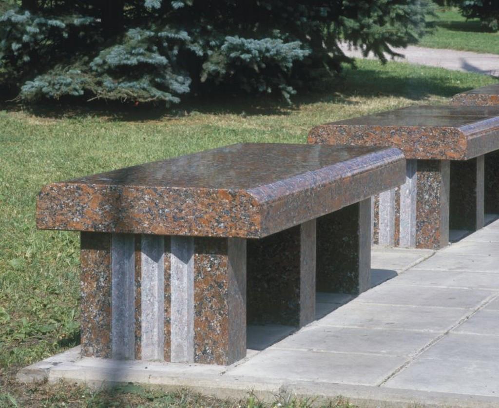 Столы лавки из гранита любой формы и размера №0028