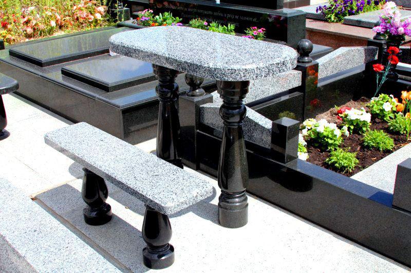Столы лавки из гранита любой формы и размера №0034