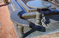 Столы лавки из гранита любой формы и размера №0037
