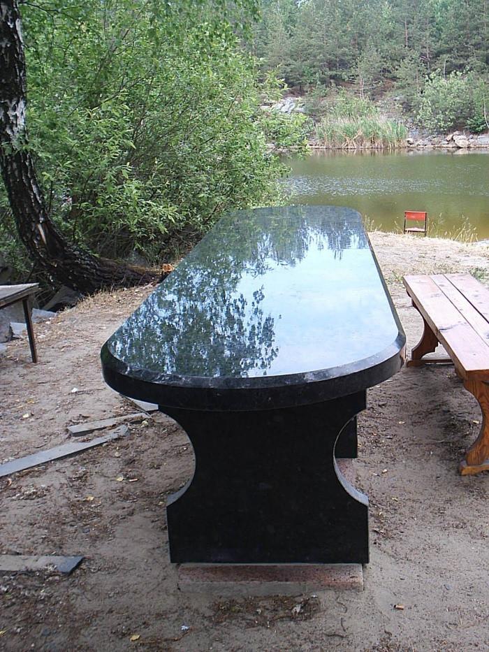 Столы лавки из гранита любой формы и размера №0044