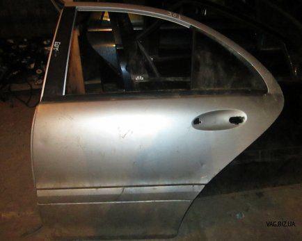 Дверь задняя левая (кузов седан) Mercedes C-Klasse W203 2001-2006
