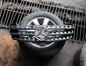 Решетка радиатора (до 2008 года выпуска) Mercedes ML W164 2005-2013