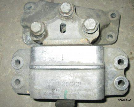 Опора КПП (подушка двигателя) левая Seat Altea 2004-2015, Leon 2005-2013, Toledo 2005-2009