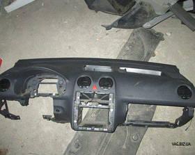 Торпедо (панель приборов) Volkswagen Caddy 3 с 2004