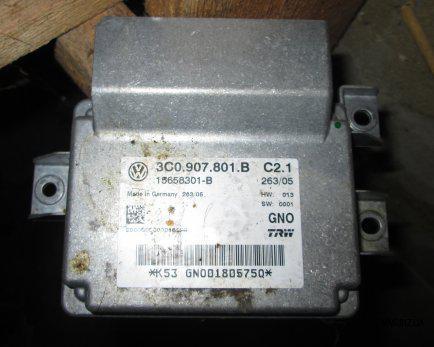 Блок управления электромеханического стояночного тормоза Volkswagen Passat B6 2005-2010