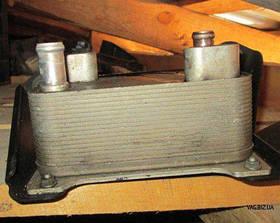 Масляный радиатор коробки передач Volkswagen Passat B6 2005-2010