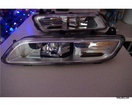 Фара противотуманная левая Volkswagen Passat B7 2011-2015