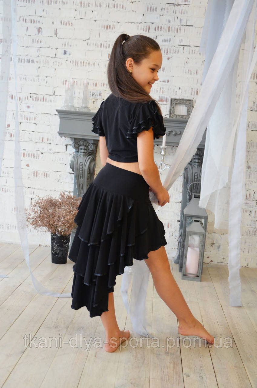 Танцевальная юбка с черной отделкой
