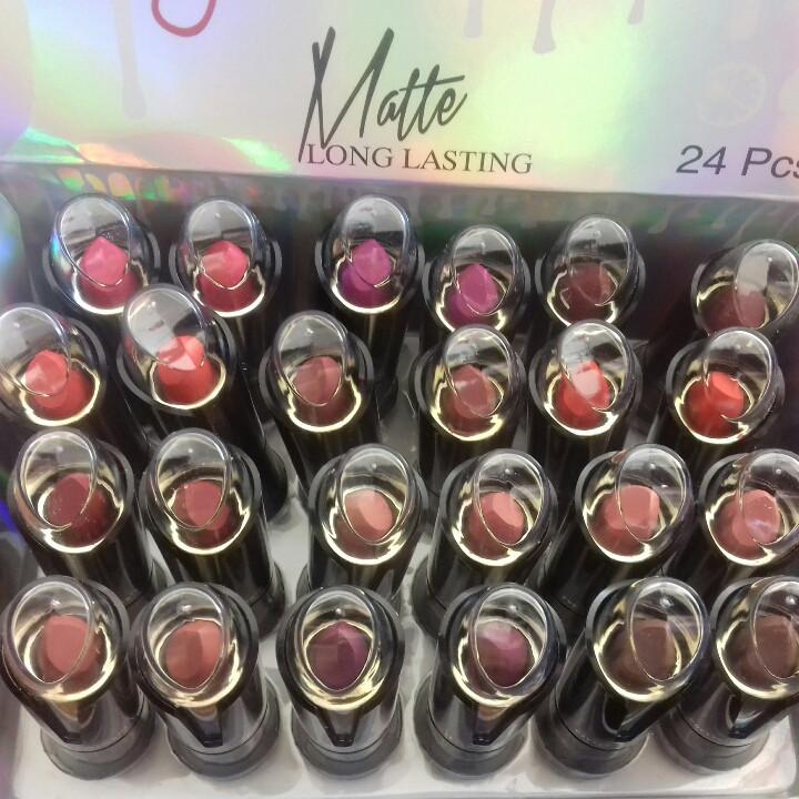 Упаковка матовой помады Kylie pretty color matte long lasting 24шт/уп