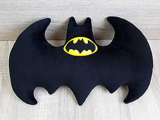 Мягкая игрушка-подушка Бэтмен эмблема бэтаранг ручная работа