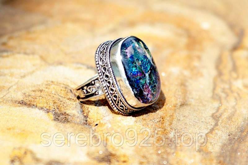 Серебряное кольцо с дихроичным стеклом