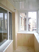 Металопластиковое окно на балкон из профиля Rehau 70