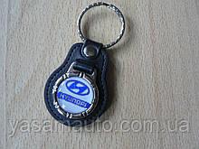 Брелок кожзам округлый Hyundai логотип эмблема Хундай автомобильный на авто ключи комбинированный Хундаи