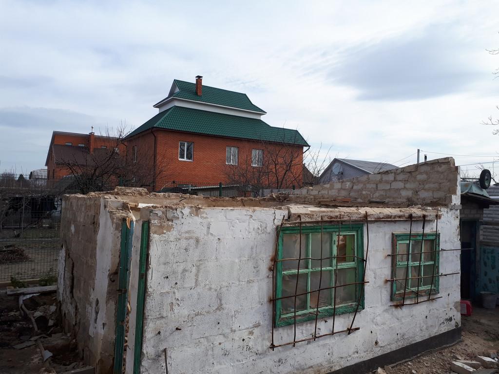 Первая фотография, к сожалению, была сделана уже после снятия крыши.